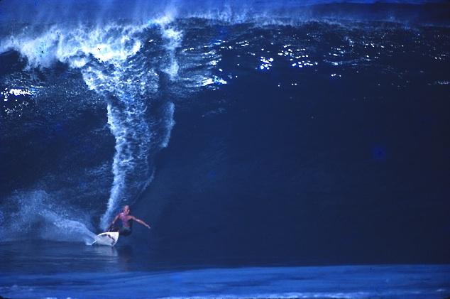 Schmidt on a roll-in second reefer at Pipe.