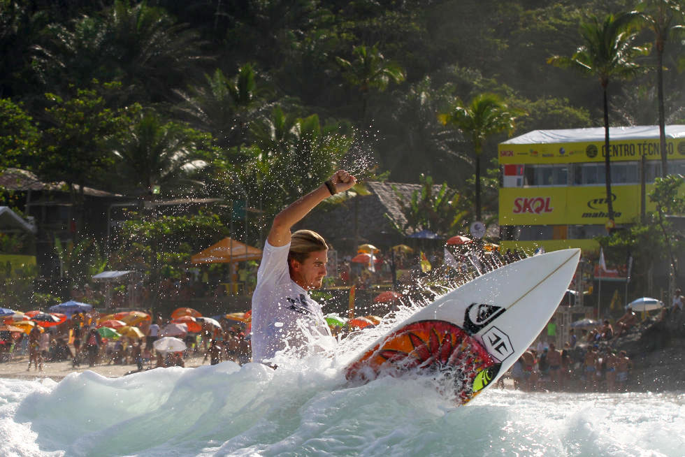 Beyrick surfing for free in Brazil
