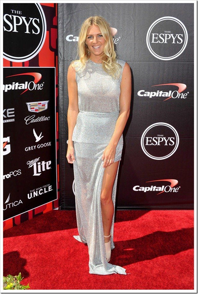 Stephanie-Gilmore-at-ESPY-Awards-Stunners